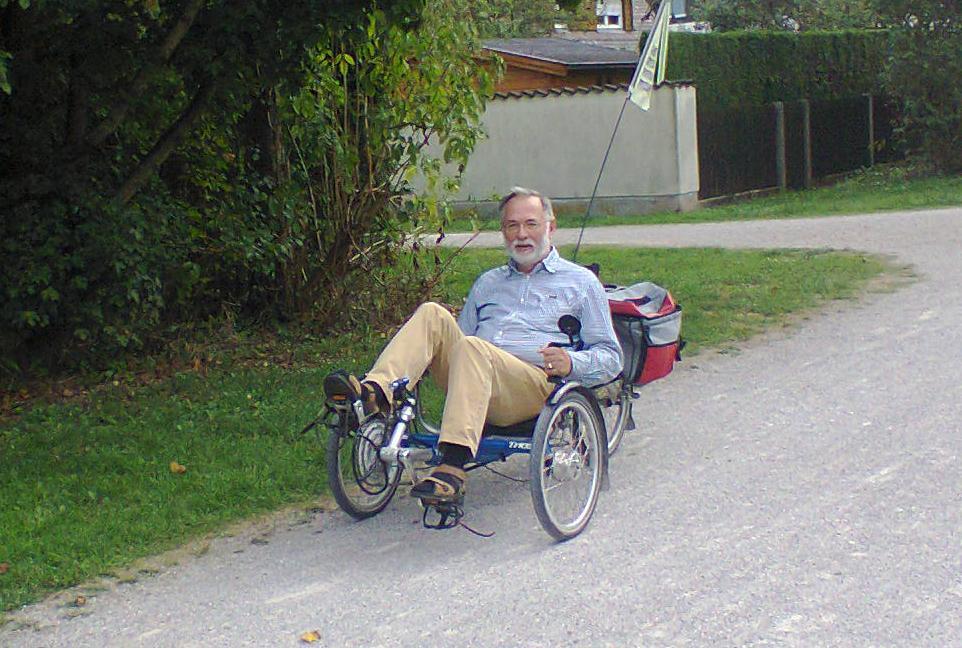 Georg kronawitter auf TRICE-Dreirad