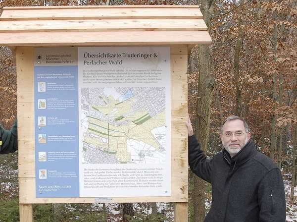Waldinfo-Tafeln im Truderinger Wald - eine Kronawitter-Initiative 20.11.2007
